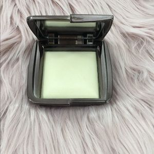 Hourglass highlighter in Diffused Light
